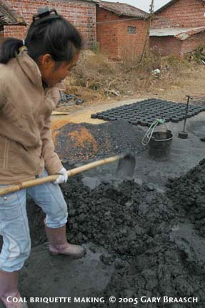 china-coal-making.jpg