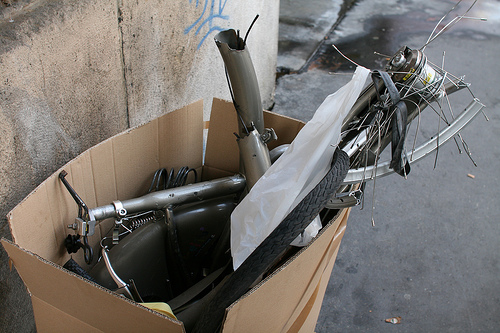 velib-trashed-bike